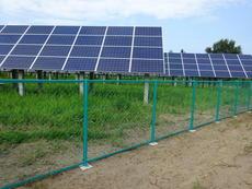 ネットフェンス 太陽光施設