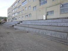 西野第二小学校グラウンド観覧席改修
